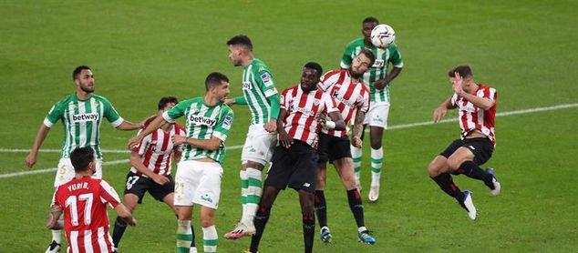 """Diego Lainez: """"Fue un partido para el olvido"""""""