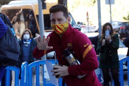Sergio Busquets, Messi y De Jong, novedades de la convocatoria