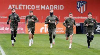 Simeone recupera a Héctor Herrera