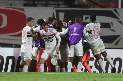 Sao Paulo vence con doblete de Luciano y asciende al segundo lugar en Brasil