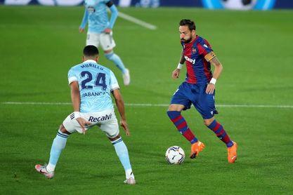Morales se sube al podio de jugadores con más partidos del Levante