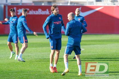 Franco Vázquez, en el entrenamiento del Sevilla FC de este martes.