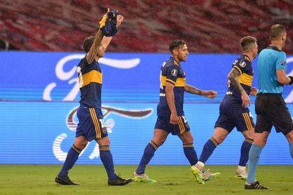 0-1. Tevez acerca a Boca a cuartos con un gol dedicado a Maradona