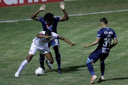 2-0. El Olimpia vence al Motagua y enfrentará en la semifinal al Alajuelense