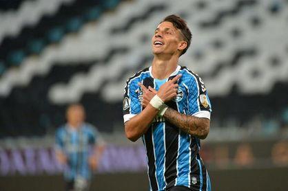 2-0. Gremio cumple el trámite ante Guaraní y se medirá en cuartos al Santos