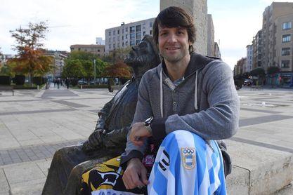 El argentino Carou recibe el premio al mejor defensor de la Liga ASOBAL