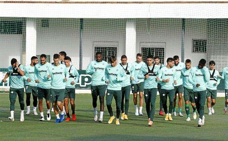 El Betis continúa preparando el encuentro frente al Villarreal.