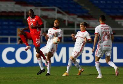 Adrián Ramos impulsa al América a la final de la liga y elimina al Junior