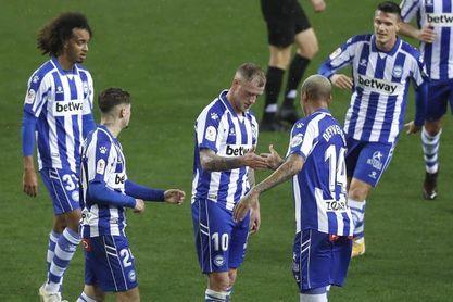 0-2. El Alavés evita sorpresas y elimina al CD Rincón