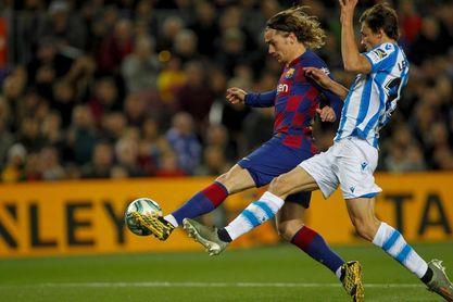 El Barcelona, con Mingueza y Araújo como centrales; la Real, con tres arriba