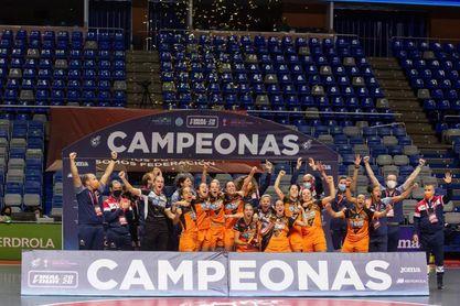 1-0. Burela cierra una brillante temporada con su tercera copa y cuarto título