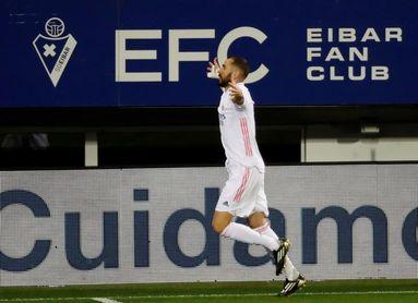 1-3. El Real Madrid reina en una bella postal