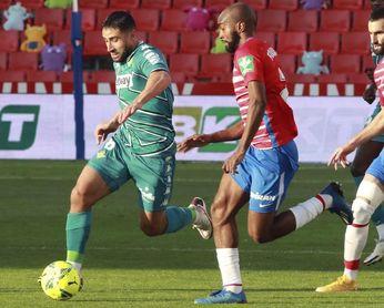 2-0. Un doblete de Soldado lanza a un sólido Granada ante un Betis inofensivo