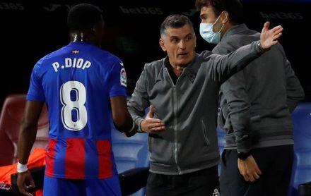 """Mendilibar: """"Creo que a Sergio Ramos también le ha parecido penalti"""""""