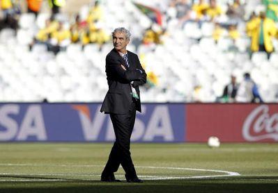 El exseleccionador francés Raymond Domenech, nuevo entrenador del FC Nantes