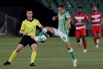 Guardado vuelve en el Betis; Negredo y Malbasic en la delantera del Cádiz
