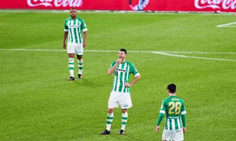 Guido podrá jugar, seguramente junto a Guardado, en el medio centro del Betis.