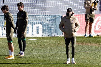 El Atlético se entrena sin Diego Costa a la espera de su salida