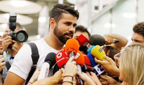 Diego Costa quiere salir del Atlético de Madrid, que le ha puesto una cláusula antiSevilla.