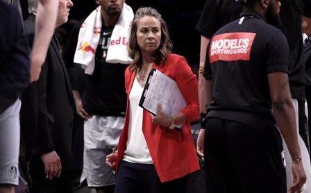 """Becky Hammon, primera entrenadora en la NBA: """"Es un momento importante""""."""