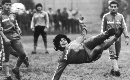 El papa dice que Maradona era un poeta en el campo pero un hombre frágil