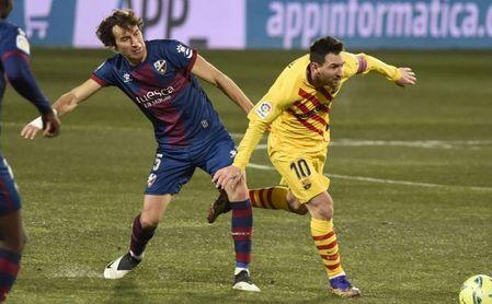 0-1: El Barça, con Messi, reacciona en Huesca