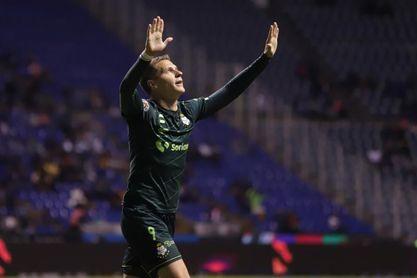 El argentino Julio Furch sufre lesión en pierna izquierda en amistoso