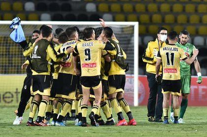 Coquimbo Unido contra Defensa y Justicia en una histórica semifinal