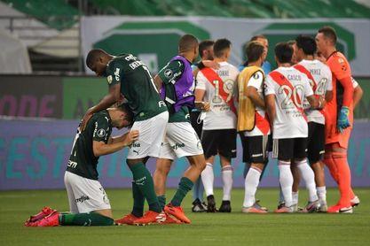 0-2. Palmeiras resiste la presión de River y se clasifica para su quinta final