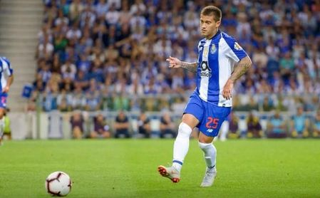 El Milán ya negocia por Otávio, vinculado al Sevilla FC.