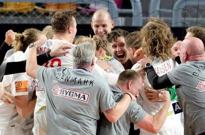 Dinarmarca vence en los penaltis y aguarda al ganador del Noruega-España