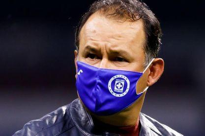 Reynoso no descarta la permanencia en Cruz Azul del ecuatoriano Bryan Angulo