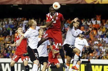 Mbia, a punto de ser rival de 'su' Sevilla en LaLiga