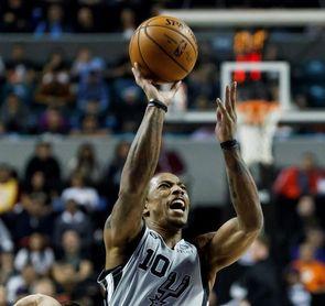 119-109. DeRozan logra doble-doble y Spurs cortan a Nuggets su racha ganadora