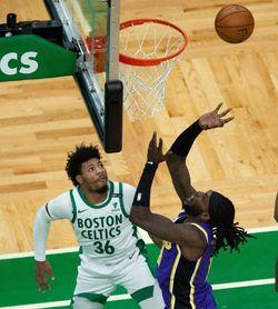95-96: Los Lakers respiran tras un final de infarto ante los Celtics