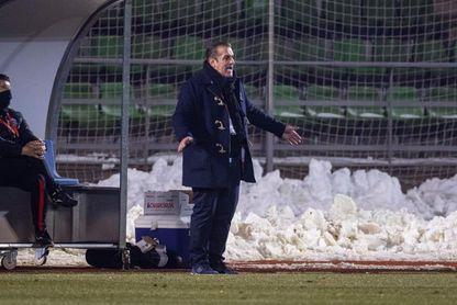 José Ramón Sandoval deja de ser entrenador del Fuenlabrada.