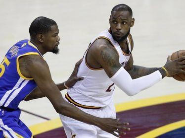 Kevin Durant y LeBron James lideran la primera votación All-Star 2021