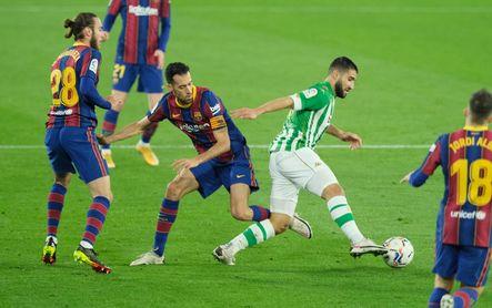 Real Betis 2-3 Barça: Frenados por un despiste