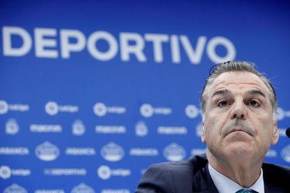 """El Consejo del Deportivo acepta petición de Abanca y se echa """"a un lado"""""""