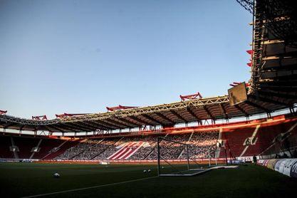 El Arsenal-Benfica, en El Pireo