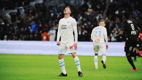 """Thauvin se ríe del interés del Madrid y le acusan de tener la cabeza """"en Sevilla o Milán"""""""