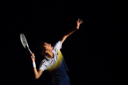 Tsitsipas-Medvedev y Muchova-Brady completan las semifinales