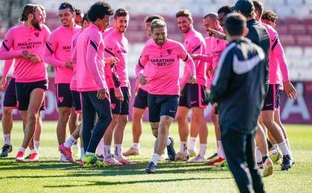 Koundé no inicia la nueva sesión del Sevilla FC.