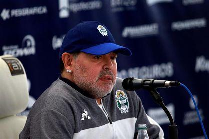 "Relato de joven a la que Maradona ""salvó la vida"" emociona a hija del astro"