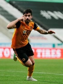 Rubén Neves complica al Newcastle