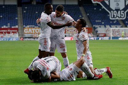 El colombiano Mauro Manotas logra empate para el Tijuana ante el Monterrey