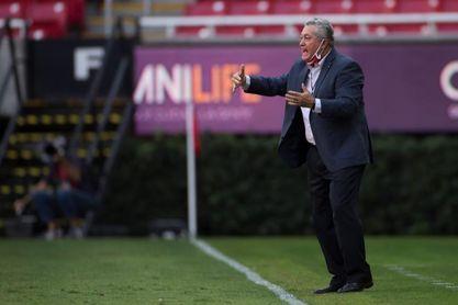 Vucetich celebra que Chivas muestre confianza y un juego agresivo