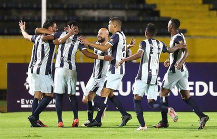 3-0. El portero Galíndez sostiene la remontada de la Católica a la segunda fase de la Libertadores