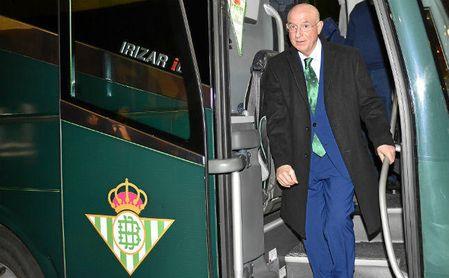 Así ha felicitado el Betis a Serra Ferrer.