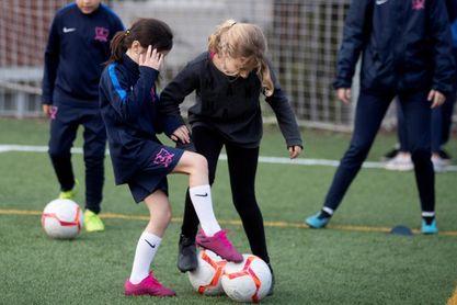 Women's Soccer School Barcelona: ninguna niña en fuera de juego